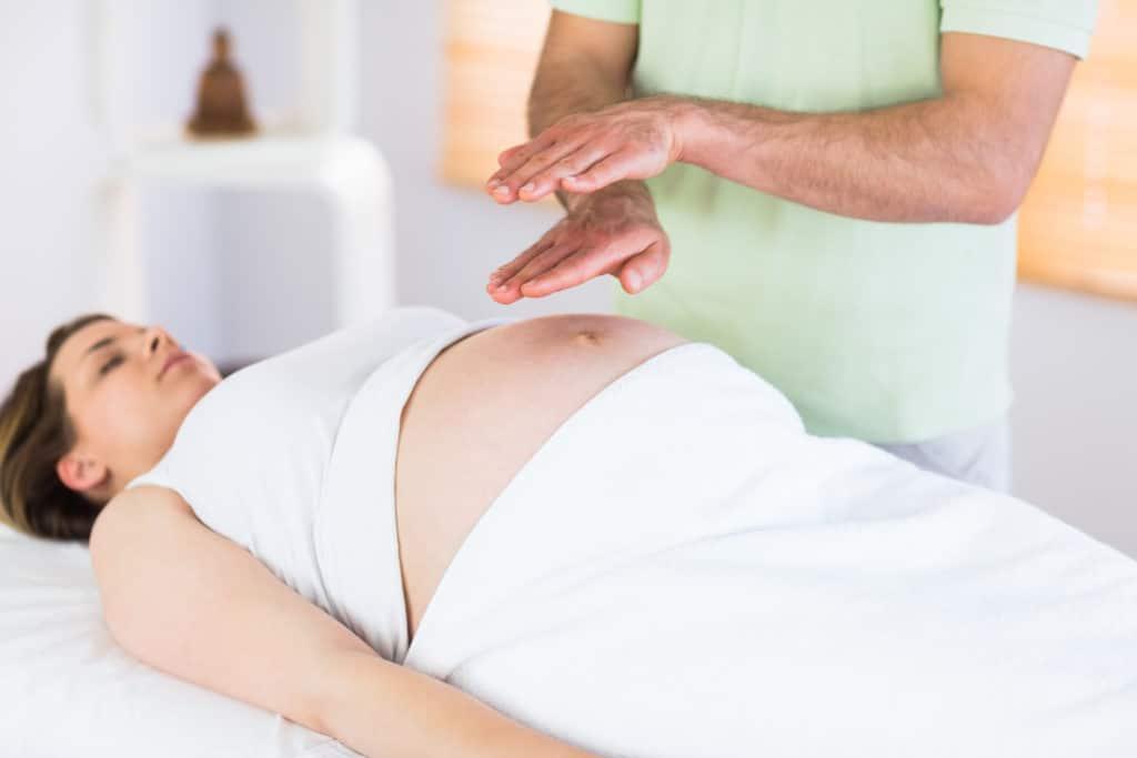 Peut on pratiquer le Reiki sans danger durant sa grossesse ?